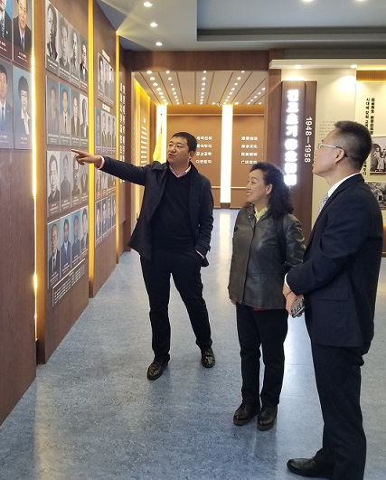 b佟长辉律师接受延边大学专访并参观校史馆/b
